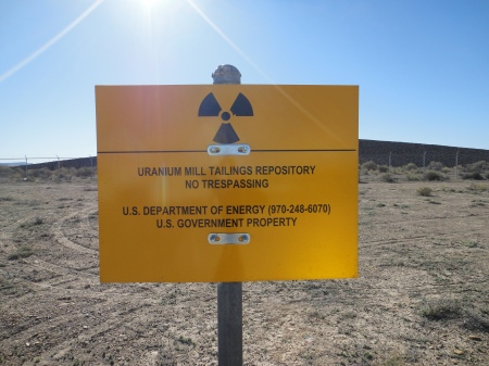 Warning sign, Green River, Utah waste cell. Photo by Gerald Trainor.
