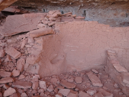 Ancestral Puebloan structure in Comb Ridge, Utah. Photo by Gerald Trainor